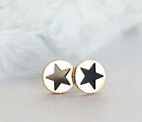 Black Star Stud Earr..