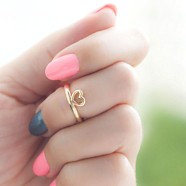 Gold Open Heart Knuckle Ring Mini Pinky Ring on Luulla